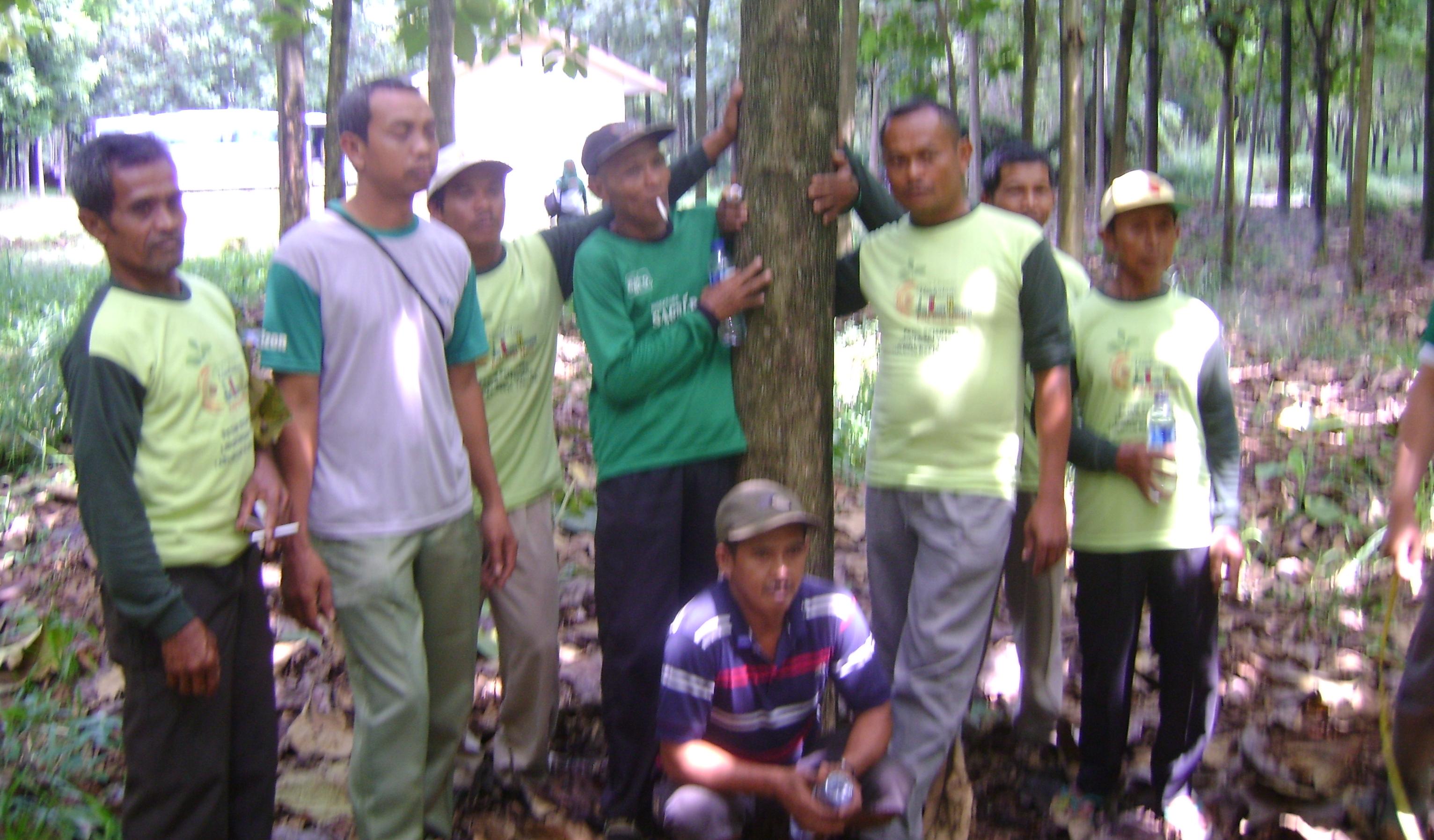 Studi Banding Petani Bersama Koperasi Unit UBH KPWN