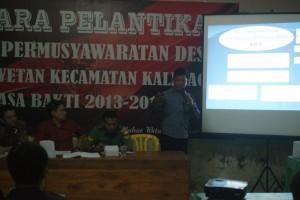 Fasilitasi SKPD Kecamatan Kalibagor Mulyono SH ( Kasi Kesra Kec. Kalibagor) Pemaparan Target Hasil Musdes Yang Harus Dirumuskan