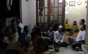 Anggota Poktan Eka Karya Sedang Persiapan Teknis Kegiatan Obvservasi Lapang ke Sukamandi dihadiri oleh Mahasiswa KKN Unsoed Purwokerto