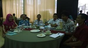 Delegasi Pemdes Wlahar Wetan Berpose Bersama Peserta Desa Lain
