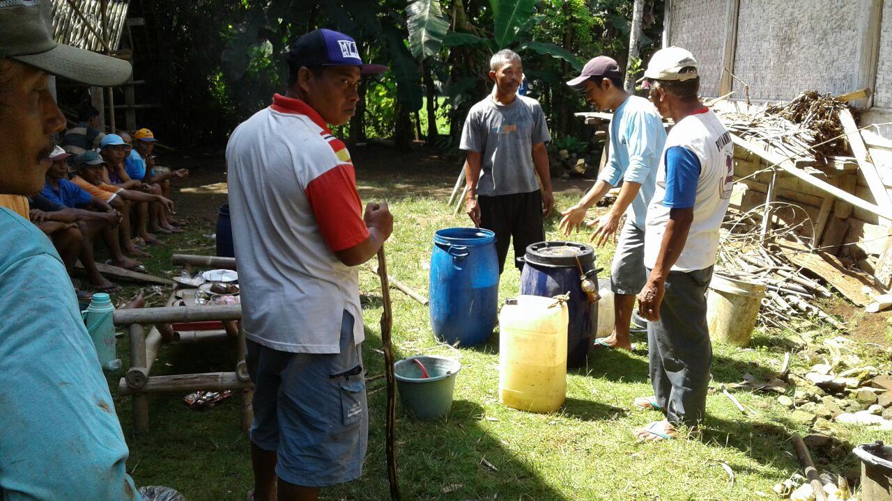 Kebangkitan Kemandirian Petani Bersama Formulasi Mikroorganisme Lokal