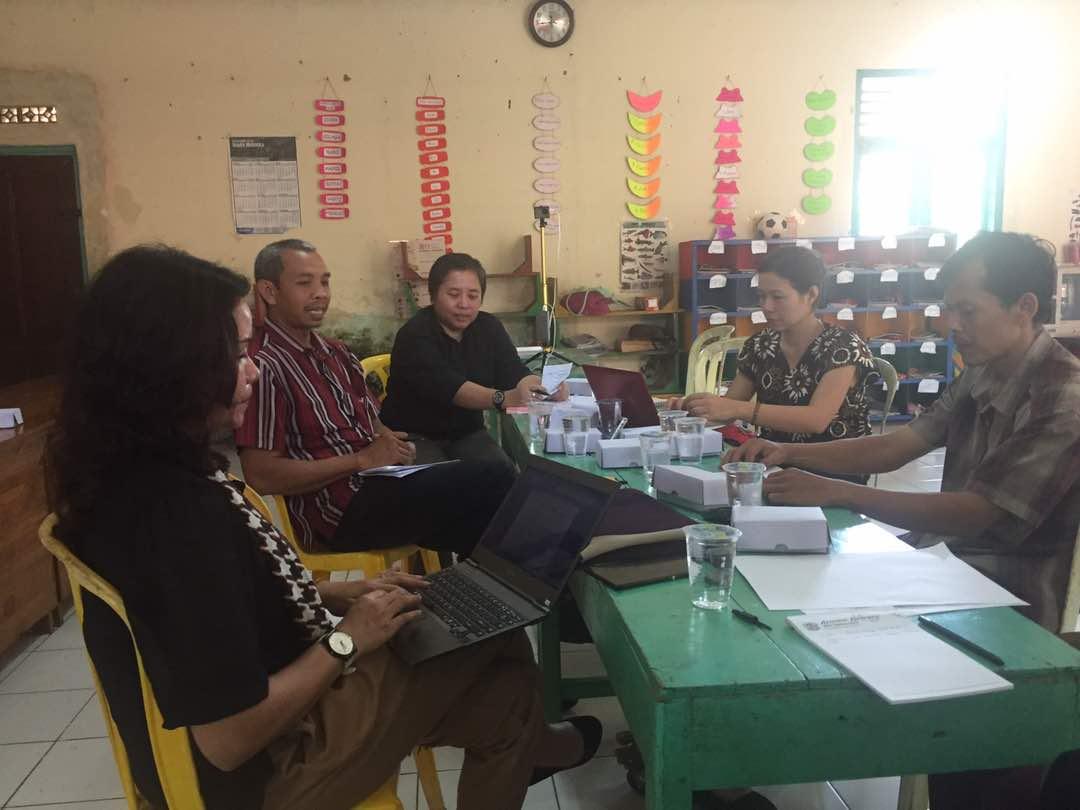 Penggalian Informasi Bersama Tentang Kearifan Lokal Dalam Menangani Permasalahan Masyarakat Terkait Kenakalan Remaja oleh Pemerintah Desa Wlahar Wetan