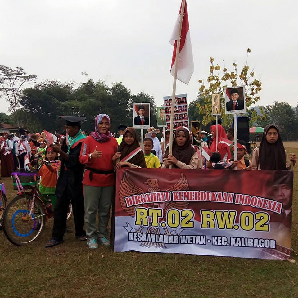 Rombongan Peserta Karnaval Kemerdekaan Tahun 2017 dari RT 002 RW 002 Desa Wlahar Wetan