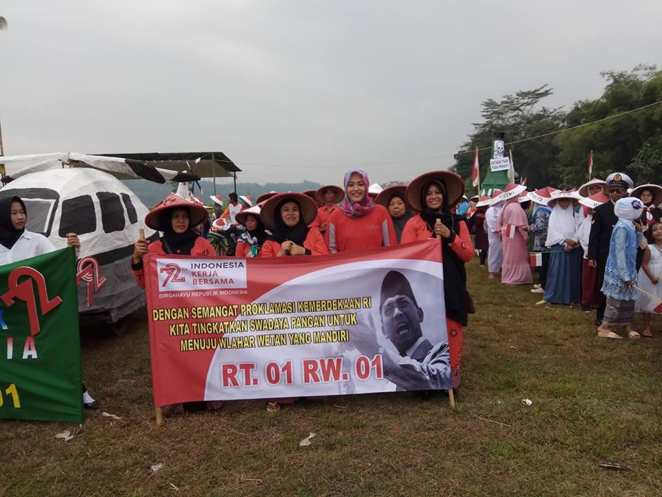 Rombongan Peserta Karnaval Kemerdekaan Tahun 2017 dari RT 001 RW 001 Desa Wlahar Wetan