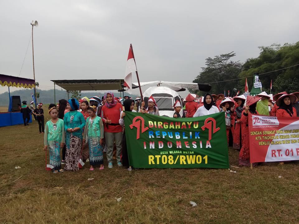 Rombongan Peserta Karnaval Kemerdekaan Tahun 2017 dari RT 008 RW 001 Desa Wlahar Wetan
