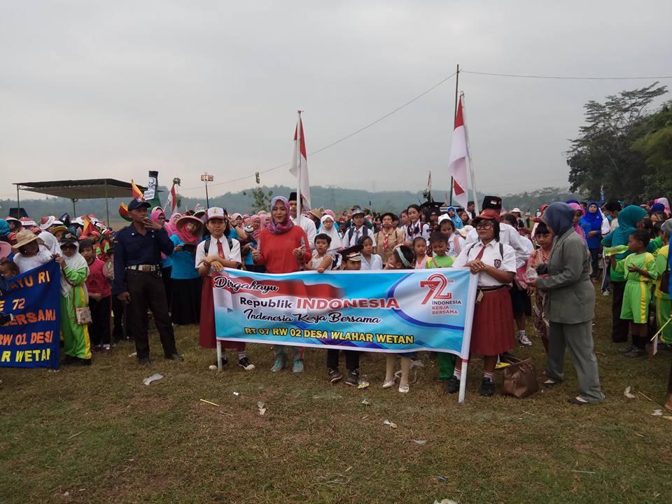 Rombongan Peserta Karnaval Kemerdekaan Tahun 2017 dari RT 007 RW 002 Desa Wlahar Wetan