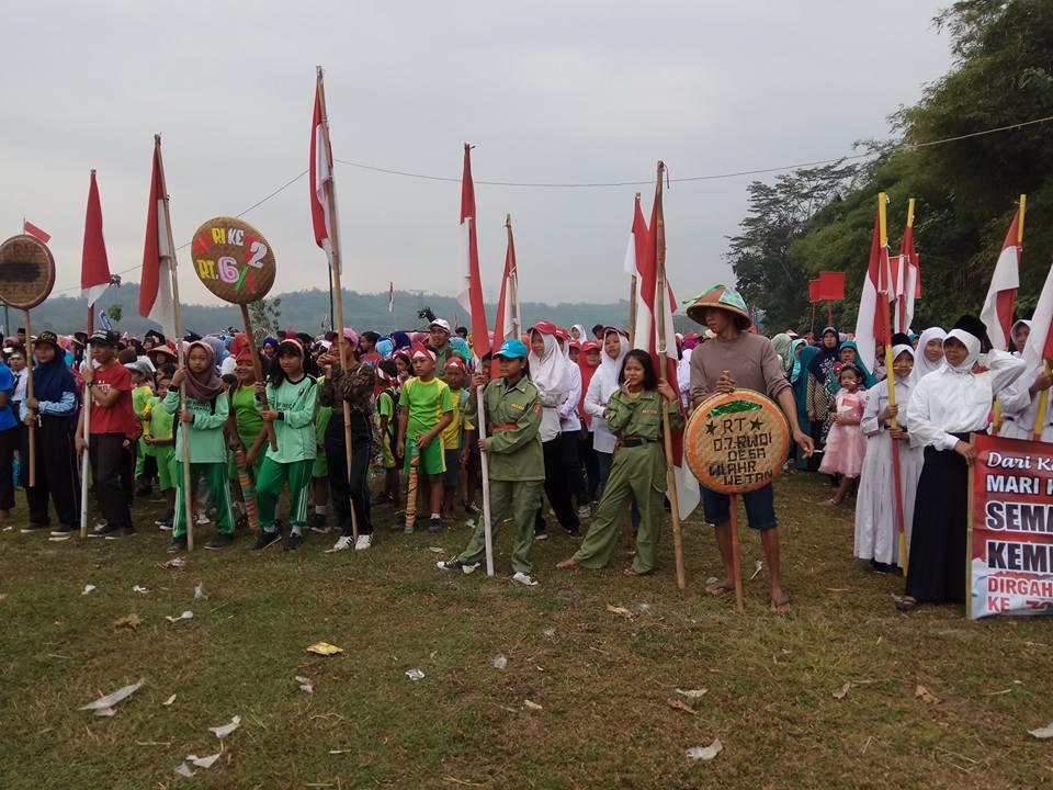 Rombongan Peserta Karnaval Kemerdekaan Tahun 2017 dari RT 007 RW 001 Desa Wlahar Wetan